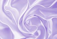 Lissez la soie ou le satin lilas élégante comme fond photos libres de droits