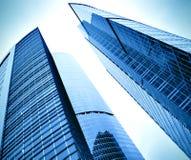 Lissez la surface des constructions modernes panoramiques photo stock