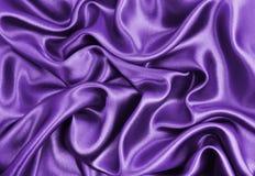 Lissez la texture de luxe lilas élégante de tissu de soie ou de satin comme résumé Images libres de droits