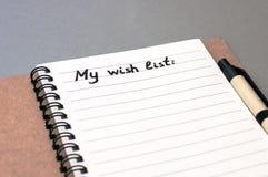 List d'envie del dibujo de la mano en el cuaderno Fotos de archivo
