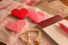 List na walentynka dniu, serca origami Fotografia Royalty Free