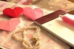 List na walentynka dniu, serca origami Zdjęcie Stock