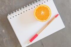 Lista de compra com frutos saudáveis Foto de Stock