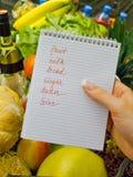 Lista de compra no supermercado (inglês Imagens de Stock