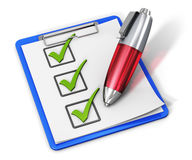 Lista de control en el tablero y la pluma Fotografía de archivo libre de regalías