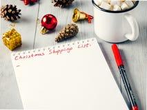 Lista del planeamiento de los regalos de la Navidad que hace compras Imagen de archivo