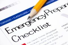 Lista di controllo di prevenzione delle situazioni di emergenza con la matita fotografia stock libera da diritti