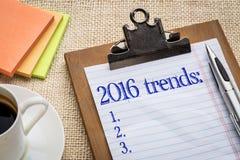 Lista di tendenze di anno 2016 sulla lavagna per appunti Immagini Stock Libere da Diritti