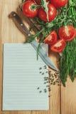 Lista en blanco con la verdura alrededor Imágenes de archivo libres de regalías