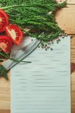Lista en blanco con la verdura alrededor Foto de archivo libre de regalías