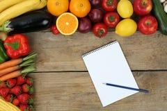 Lista zakupów z owoc i warzywo Obrazy Royalty Free