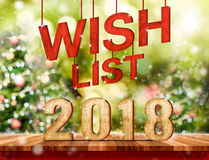 Liste di obiettivi 2018 & x28; 3d rendering& x29; appendendo sopra la tavola di legno della plancia con Immagine Stock