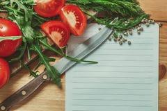 Liste vide avec le légume autour Image stock