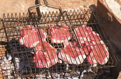 Listo fresco de la carne sin procesar para ser asado a la parilla Imagen de archivo libre de regalías