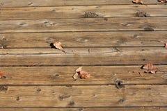 Listones de madera de una cubierta al aire libre fotografía de archivo libre de regalías