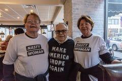 LISTOPAD 7, 2016, niezależność HALL, PFIL , PA - zwolennicy Hillary Clinton przy wybory wigilią Wydostawali Się głosowanie wiec p Zdjęcia Royalty Free