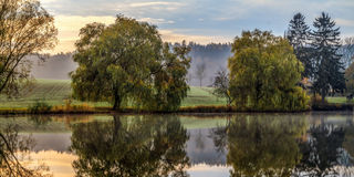 Listopadu ranku krajobraz Zdjęcia Royalty Free
