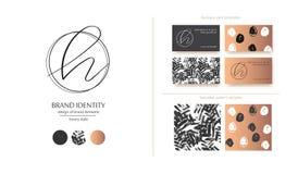 Listowy H wektoru logo Projektuje includs dwa wizytówka szablonu i dwa bezszwowego wzoru Złoci kruszcowi elementy Obrazy Stock