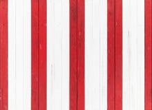 Listras de madeira da parede, as vermelhas e as brancas Textura sem emenda foto de stock