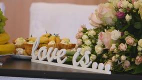 Listy na stołowym ślubie zdjęcie wideo