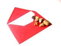 Listy z miłością dla St walentynek dnia z małymi kamieniami Obrazy Stock