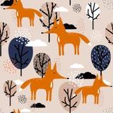 Lisy, drzewa i chmury, kolorowy śliczny bezszwowy wzór royalty ilustracja