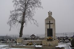 Liszki by i det Krakow länet, Lesser Poland Voivodeship Cementery Cementery Arkivfoton