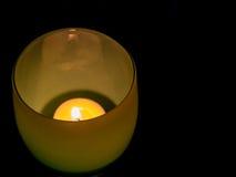 LIT, φως τσαγιού στο κυκλικό γυαλί Στοκ εικόνα με δικαίωμα ελεύθερης χρήσης