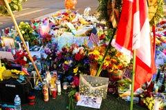 Lit de fleur consacré des victimes de tir de Las Vegas images libres de droits