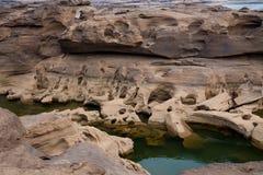 Lit de la rivière de Mae Khong au canyon de Sam Phan Bok en Thaïlande photos libres de droits