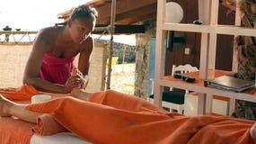 Lit de massage images libres de droits
