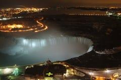 Lit de Niagara Falls para arriba imágenes de archivo libres de regalías