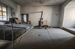 lit et four dans le château Photographie stock