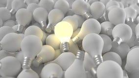 Lit-Glühlampe unter vielen Lizenzfreie Stockbilder