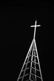 Lit vers le haut de croix la nuit Images libres de droits