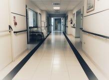 Lit vide dans l'hôpital photos libres de droits