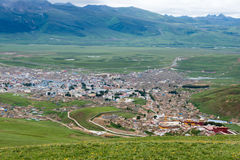 LITANG, CHINA - Jul 18 2014: Grasslands at Litang town. a famous Stock Photos