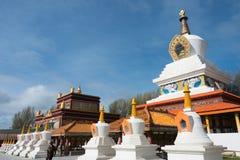 LITANG, CHINA - 17 Juli 2014: Wit pagodepark beroemde landmar Royalty-vrije Stock Afbeeldingen