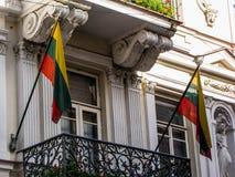 Litauiska flaggor Arkivbilder