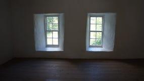 Lite fönster Fotografering för Bildbyråer