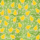 Lite hönor på grön äng Arkivbild