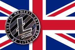 litecoin da moeda da ilustração 3D na bandeira de Grâ Bretanha Fotografia de Stock