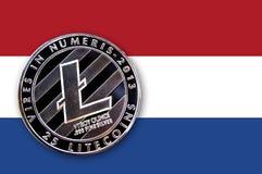 litecoin de pièce de monnaie de l'illustration 3D sur le drapeau des Pays-Bas Photo stock