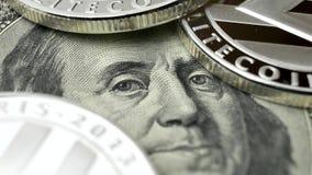 Litecoin LTC som roterar på dollar lager videofilmer