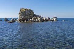 liten ö svart crimea hav fotografering för bildbyråer
