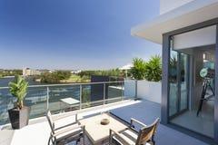 Liten balkong Arkivfoto