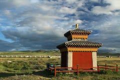 Liten bygdtempel nära Kharkhorin Arkivfoton