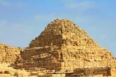 liten egypt giza pyramid Royaltyfri Bild