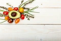 Liten färgrik släktklenod Cherry Tomatoes Arkivfoto