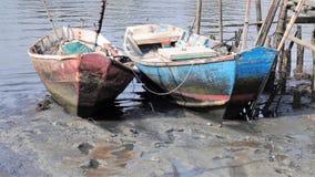 Liten fiskebåt två arkivfoto